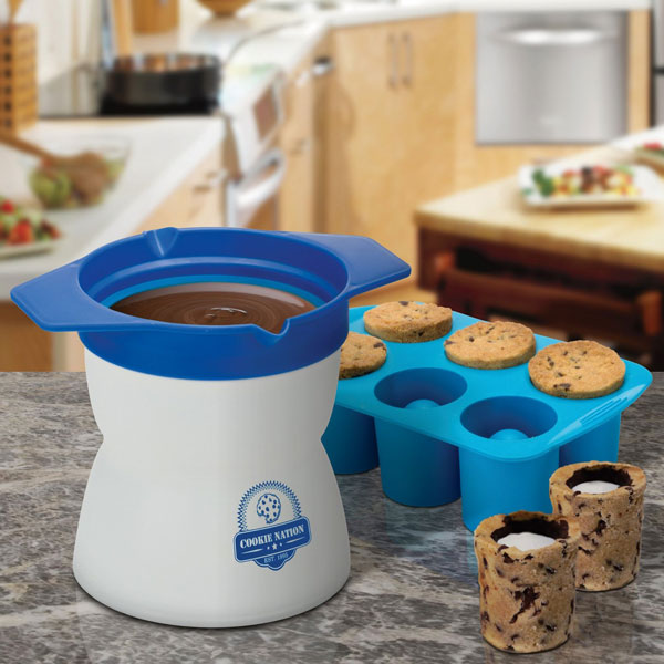 Milk-and-Cookie-Shot-Maker